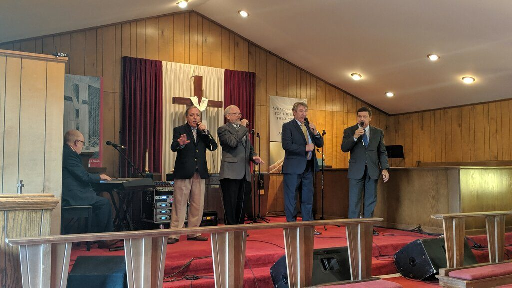 Left: Ken, Tommy, Dale Charles, Dale Taylor, Anthony